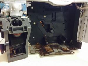 Maschine durch undichtigkeiten im Wassersystem beschädigt